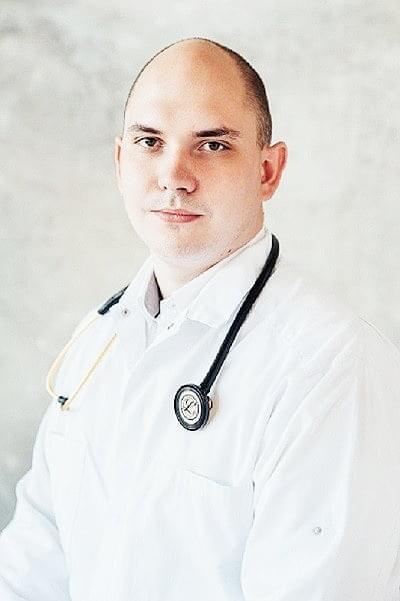 Гаврилов Евгений Кириллович : Заведующий отделением оториноларингологии, врач оториноларинголог