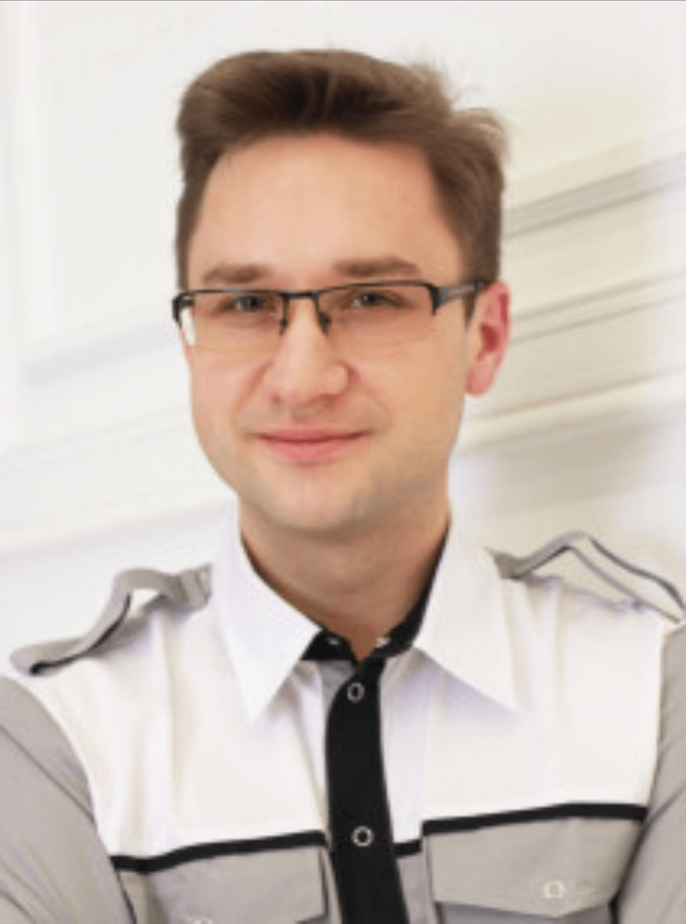 Щегольков Александр Викторович : Стоматолог-хирург, имплатолог, пародонтолог